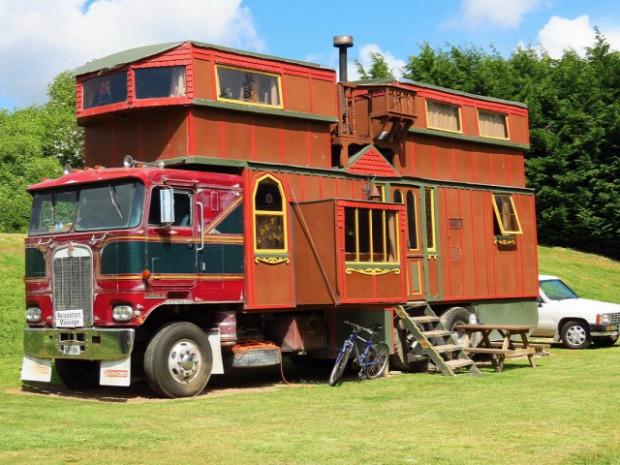 A világ érdekes teherautó lakóautó faház  egyedi különleges
