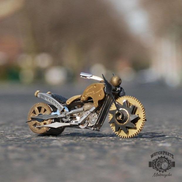 A világ érdekes steampunk  szobor óra