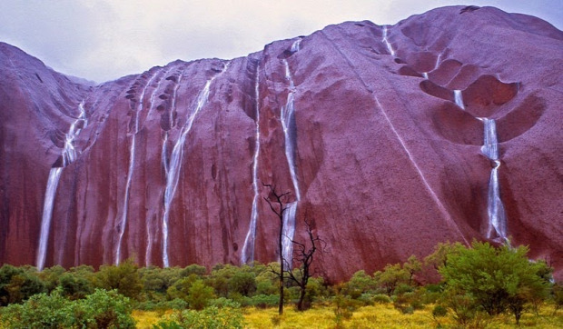 A világ érdekes Ausztrália Uluru Ayers-rock Ayers-szikla vízesés
