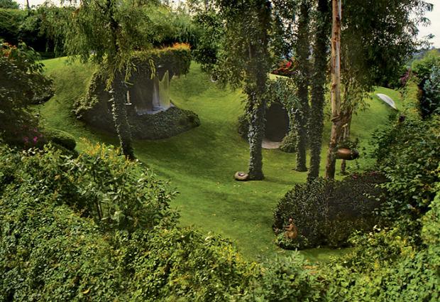 A világ érdekes ház hobbit földalatti organikus tájépítészet
