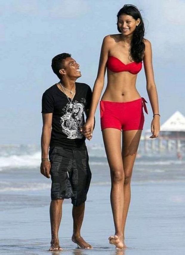 A világ érdekes nő lány magas legmagasabb