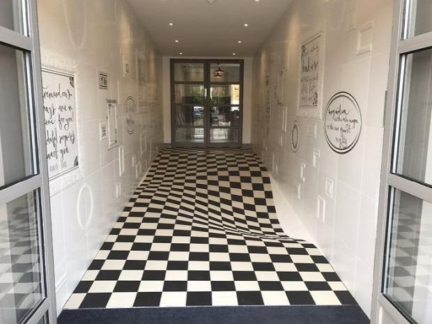 A világ érdekes csempe padló optikai trükk átverés
