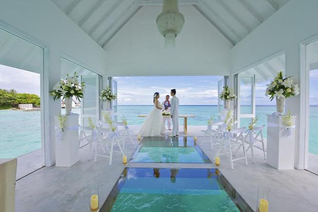 A világ érdekes Maldiv-szigetek esküvő helyszín pavilon tenger