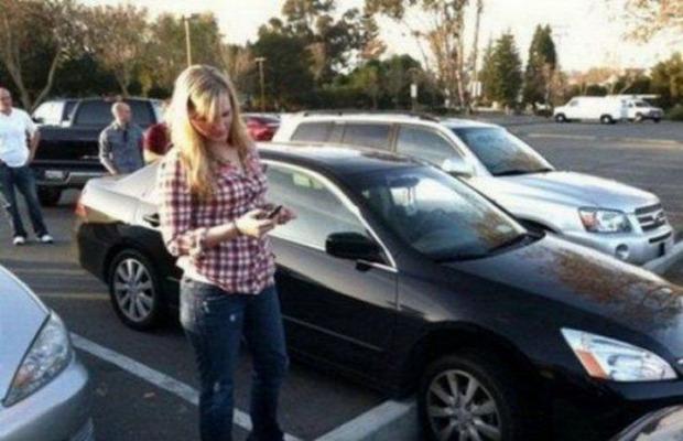 autó nő csaj lány