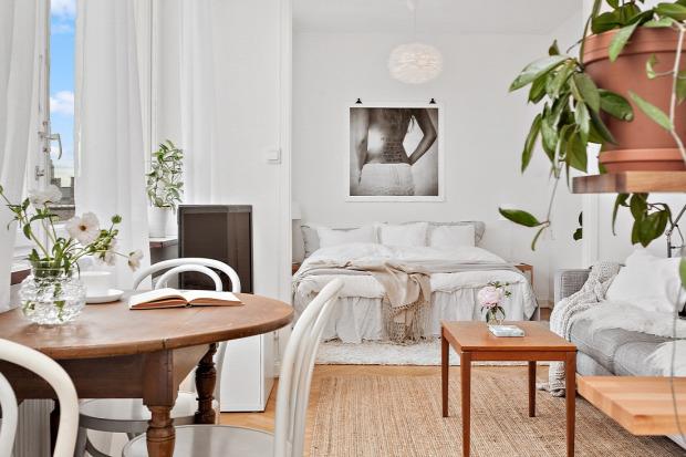 kis lakás skandináv stílus térérzet növelés fehér falak