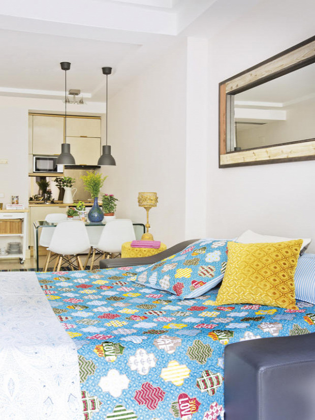 garzon kis lakás stúdió nagyvilág retró egy légtér színek textilek praktikus kialakítás