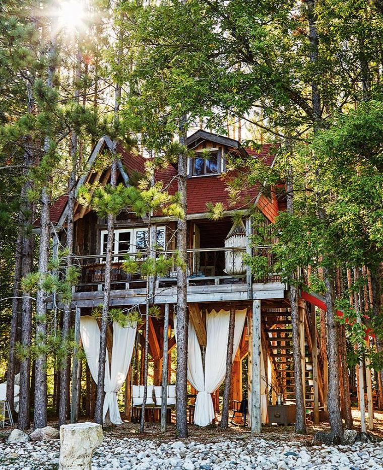 kis ház faházikó újrahasznosított helykihasználás