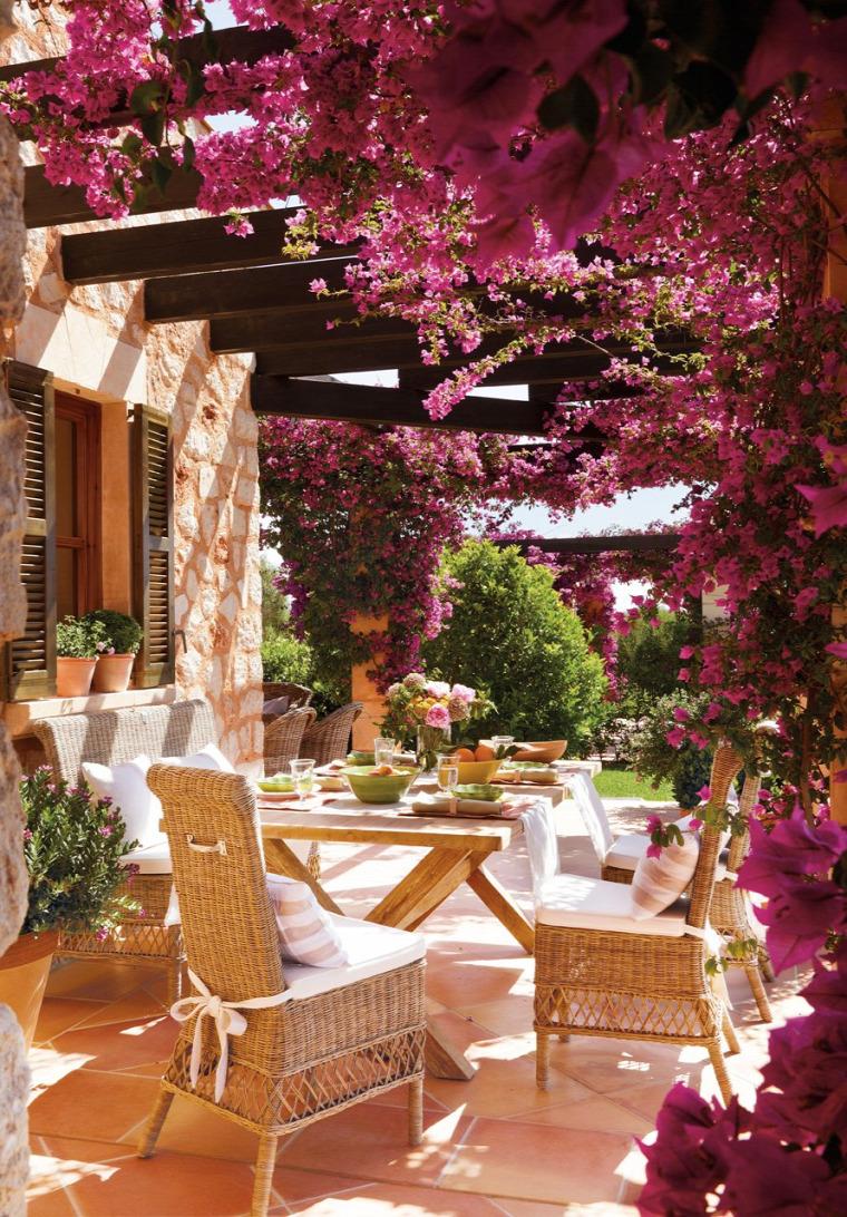nyaraló mediterrán stílus nagyvilág virágok