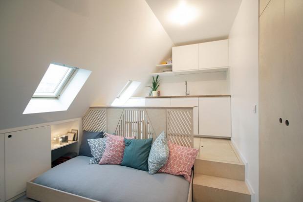 garzon egy légtér tetőtér kis terek kis lakás otthonos belső építészet kreatív helykihasználás