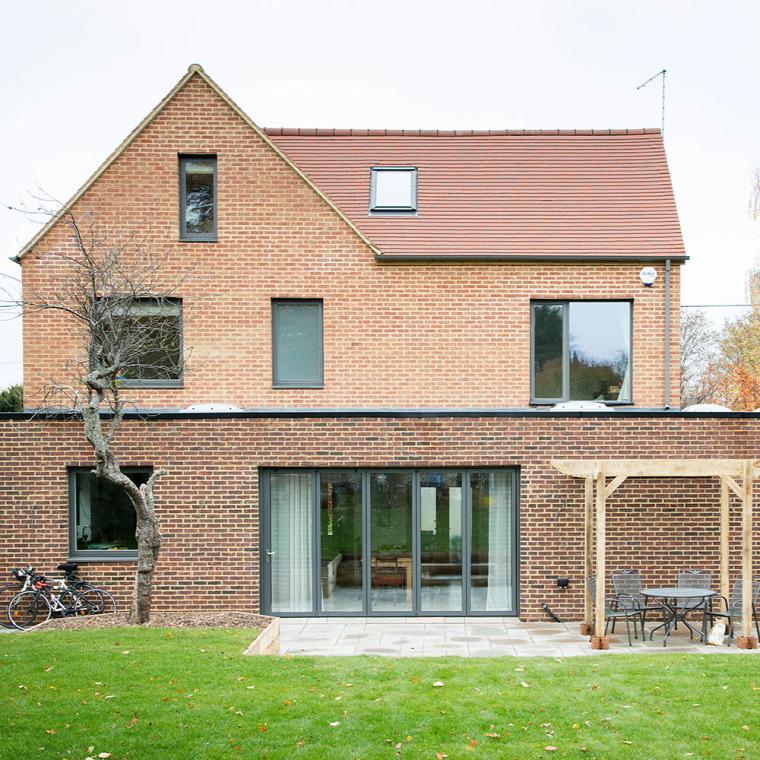 házfelújítás családi ház felújítás fenntartható saját építésű környezetbarát