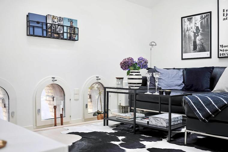 tetőtér ferde sík fehér fehér falak fény praktikus kialakítás nagyvilág felújítás