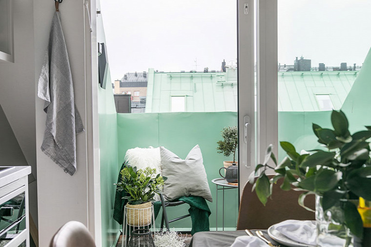 kis lakás kis terek helykihasználás skandináv stílus tetőtér hálógaléria