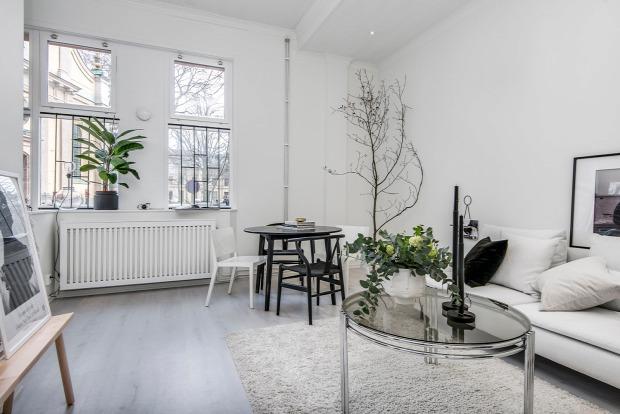 üvegfal skandináv stílus sötét színek kis lakás