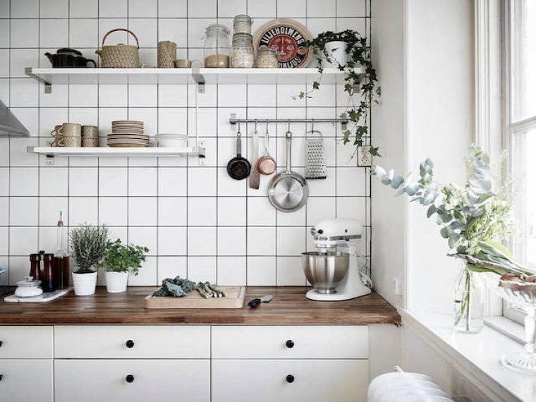 kis lakás garzon egy légtér térelválasztó helykihasználás skandináv stílus nagyvilág kreatív megoldás