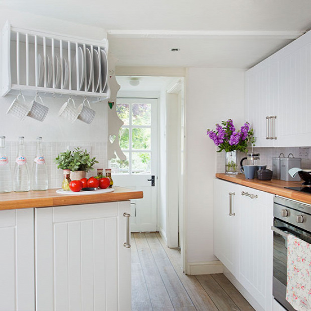 White Kitchen Units With Oak Worktop: Kicsi, De Gyönyörű Konyhák