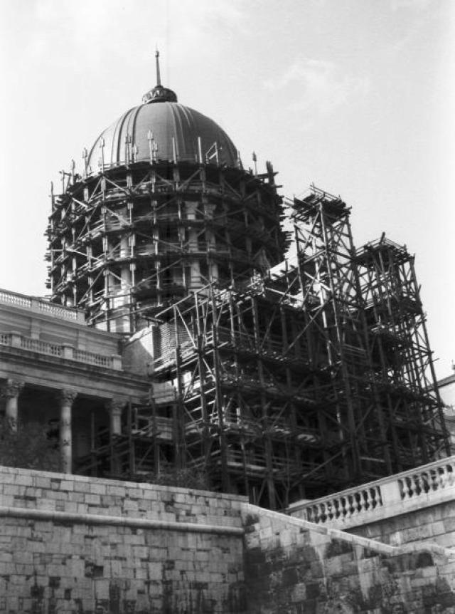 építészet MúzeumCafé folyóirat Magyar Nemzeti Galéria Budapesti Történeti Múzeum Munkásmozgalmi Múzeum műemlékvédelem történelem régészet restaurálás