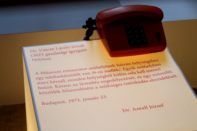 Semmelweis Orvostörténeti Múzeum kiállítás politika