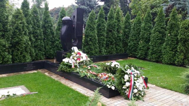 Bartók Béla sírja a Farkasréti temetőben