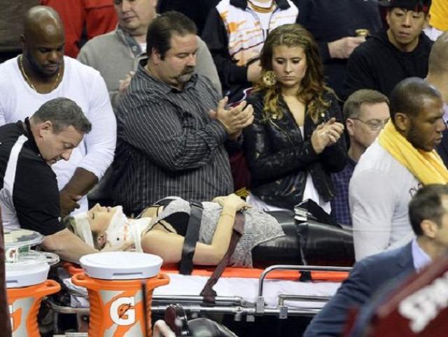 kosárlabda meccs ülőhely veszélyes baleset fail sérülés
