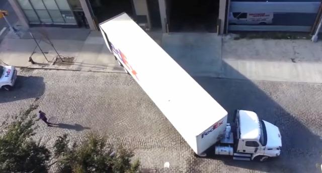 kamion vezetés technika parkolás érdekes videó