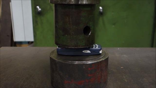 Nokia 3310 telefon teszt prés