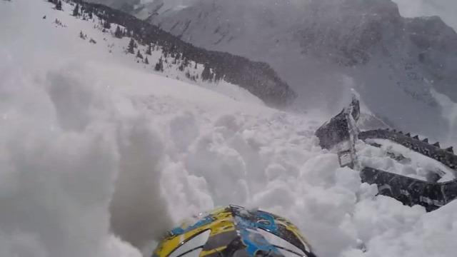 lavina hó hegy videó