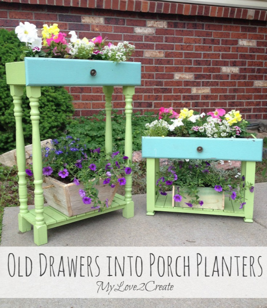 40+ Creative DIY Garden Containers and Planters from Recycled Materials 31