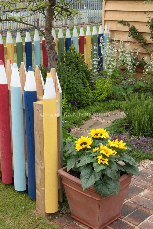 Crayon picket fence