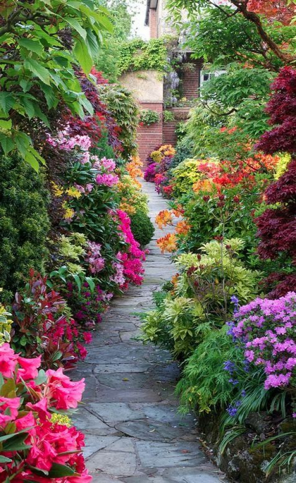 Four Seasons Garden.. Pathway through the spring middle garden.. This must make you so happy! It's spectacular!!