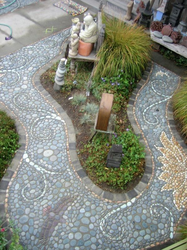Mark Kretzmeier (MetaMosaics, Portland Oregon)  |  Pebble Mosaic Garden Pathway Overview.