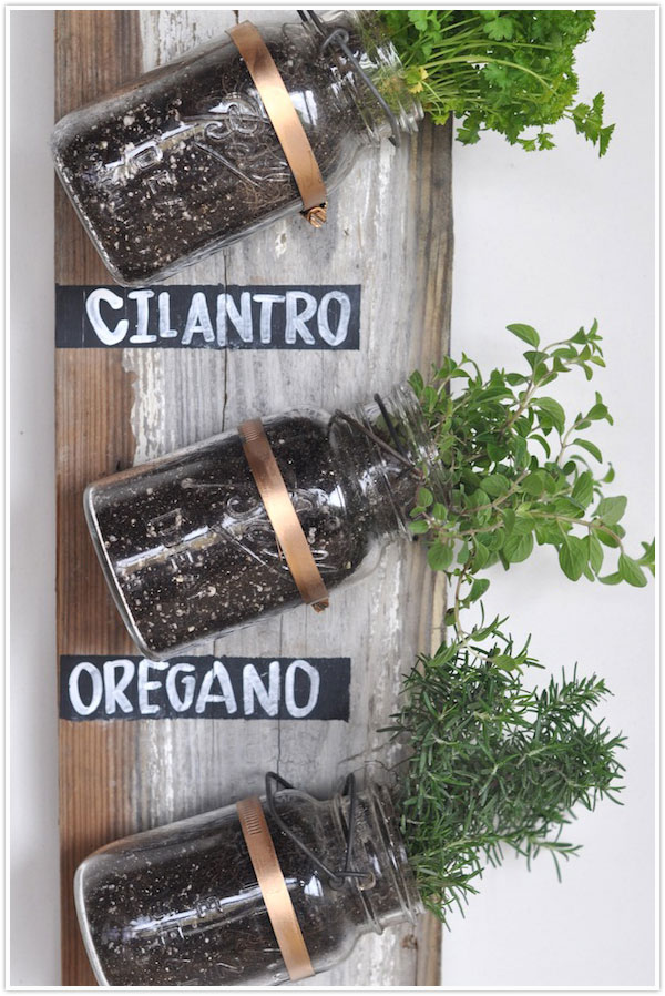 35+ Creative DIY Herb Garden Ideas --> DIY Mason Jar Herb Garden
