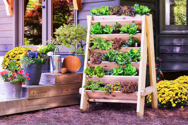 35+ Creative DIY Herb Garden Ideas --> DIY Vertical Herb Planter