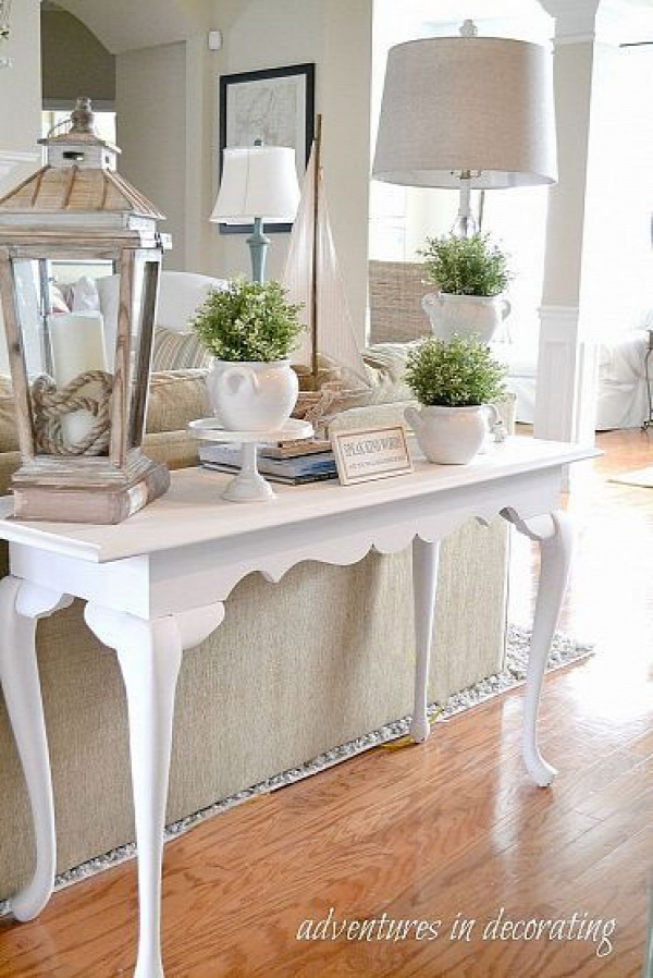 Love these vignettes!!! Not crazy about all the white, but love the concept. I need a pop of color!