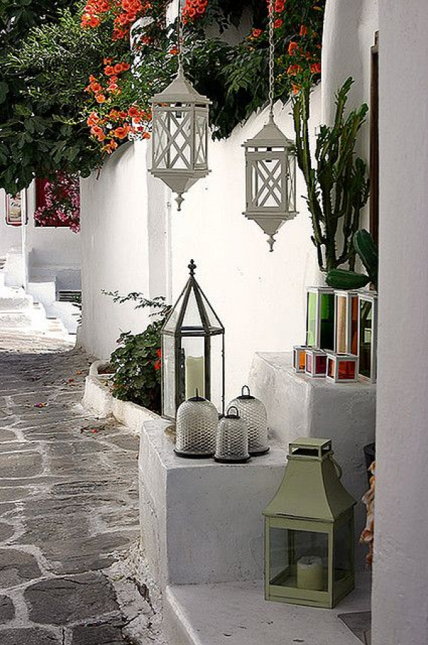 Mediterranean Living barefootstyling.com lovely hanging lanterns (for indoors)