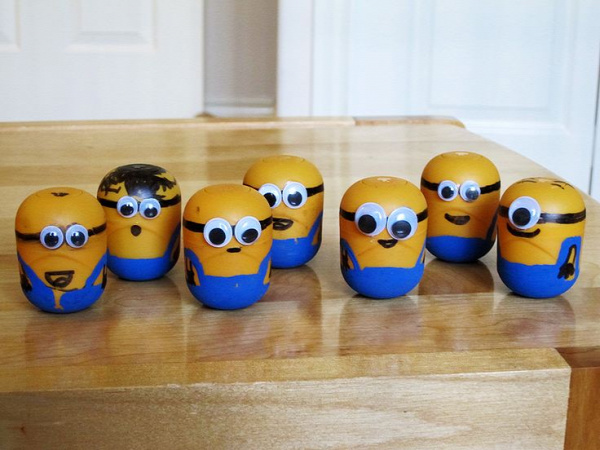 Brandon's Adventures: Craft Idea: Make Minions from Kinder Surprise Containers