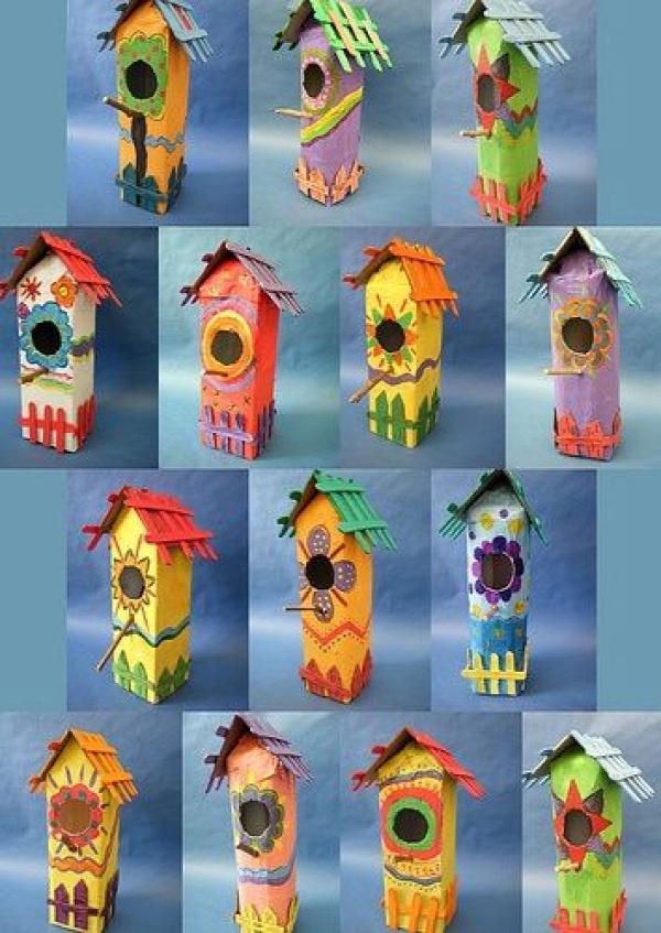 Vogelhuisjes van melkpakken  **idea to remember--use milk cartons in the spring to make these birdhouses:)