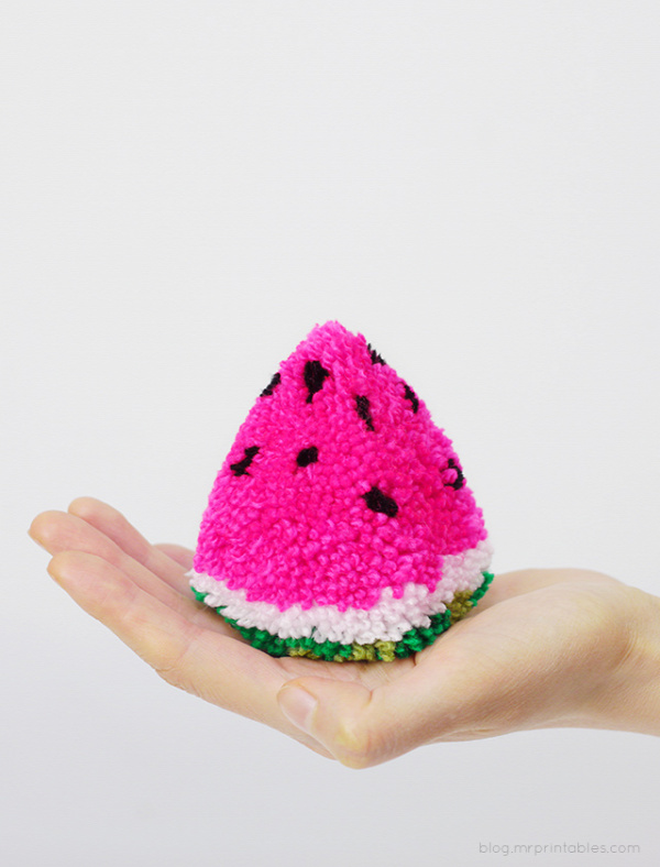 Watermelon Pom Pom Tutorial