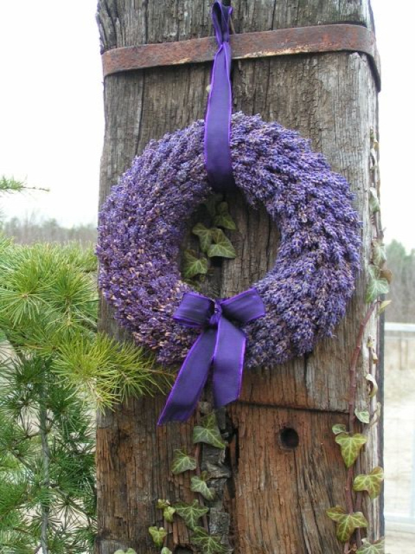 the prettiest lavender wreath I've seen...