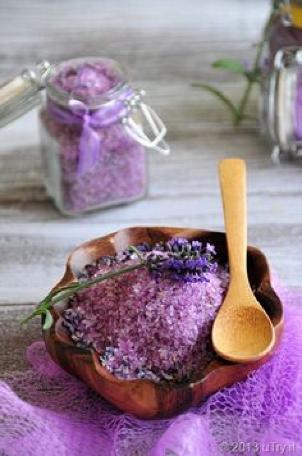 Homemade Lavender Bath Salts...wonderful gift idea
