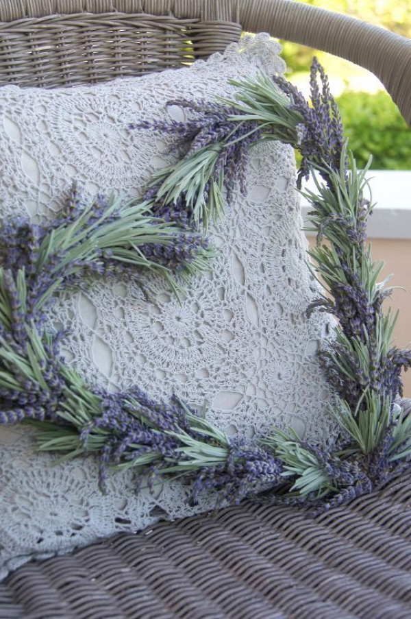 Here's an idea for my end of summer lavender harvest... that's just lavender flowers and leaves, wrapped around a wire with floral tape.  Outrageously expensive to buy, and practically free to make.