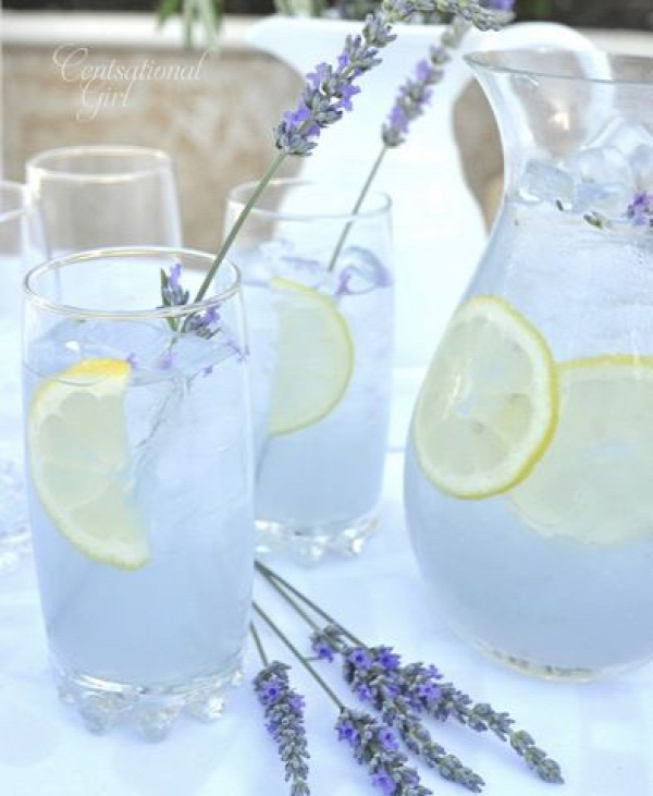 Lavender Lemonade... Most certainly going to have to make this before summer ends.