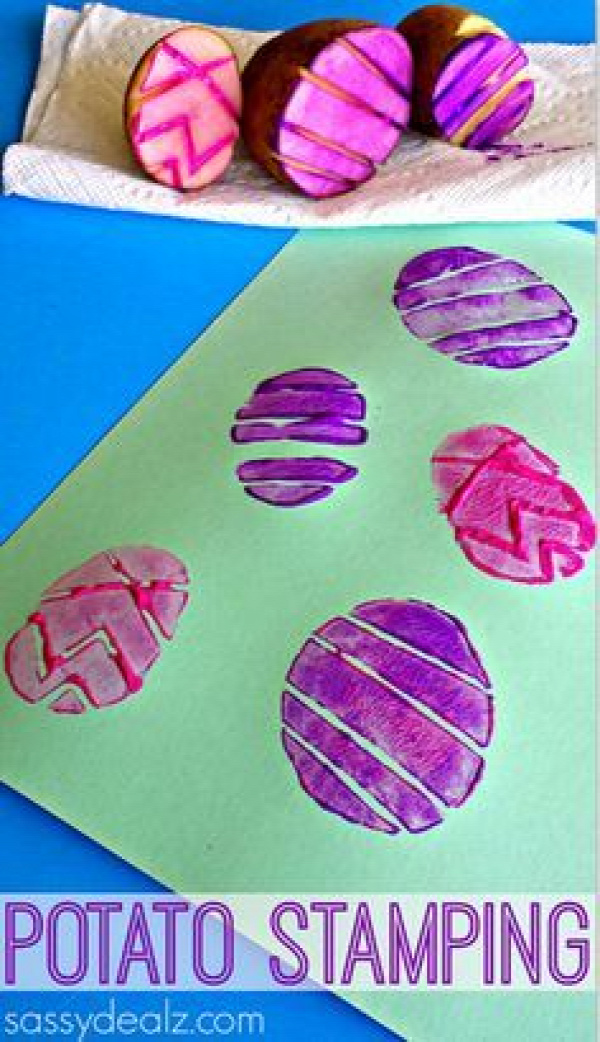 Easter Egg Potato Stamping Craft for Kids craft for kids |