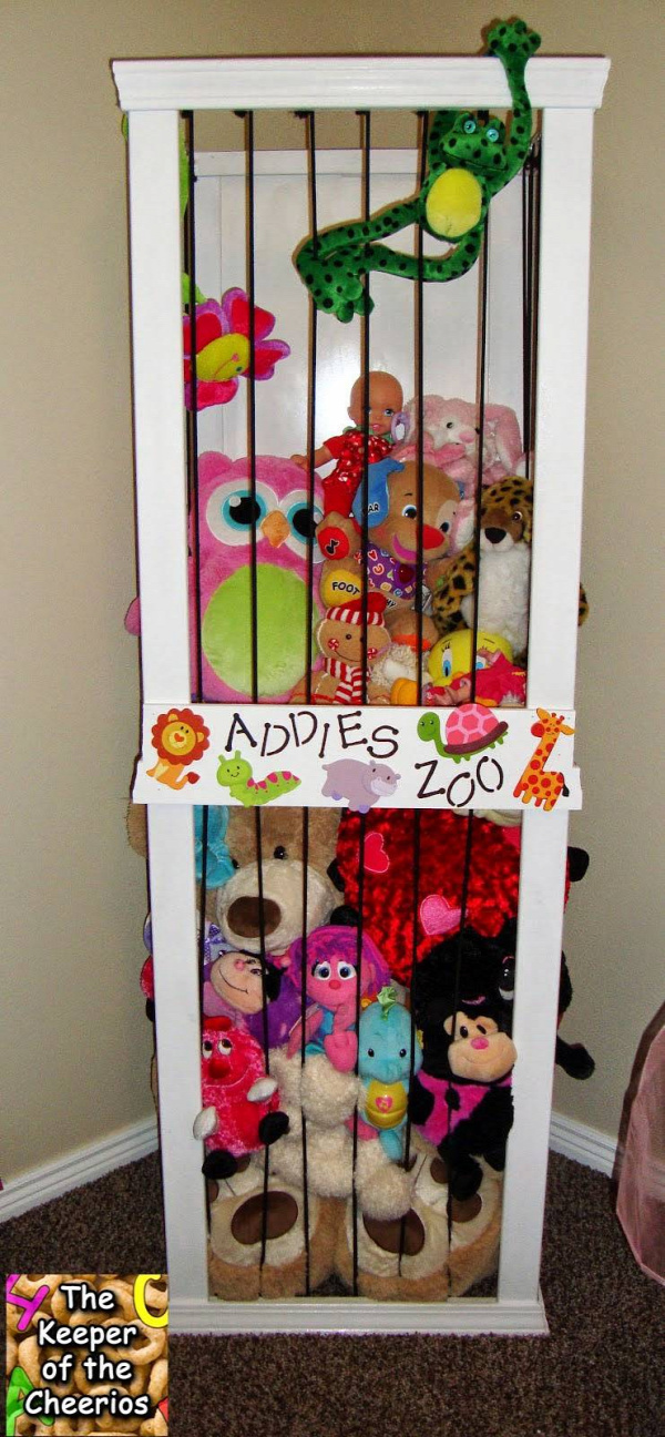 20+ Creative DIY Ways to Organize and Store Stuffed Animal Toys --> DIY Stuffed Animal Storage Zoo