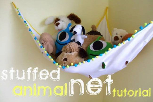 20+ Creative DIY Ways to Organize and Store Stuffed Animal Toys --> DIY Stuffed Animal Net