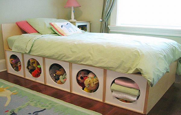 20+ Creative DIY Ways to Organize and Store Stuffed Animal Toys --> DIY Under Bed Storage for Stuffed Toys