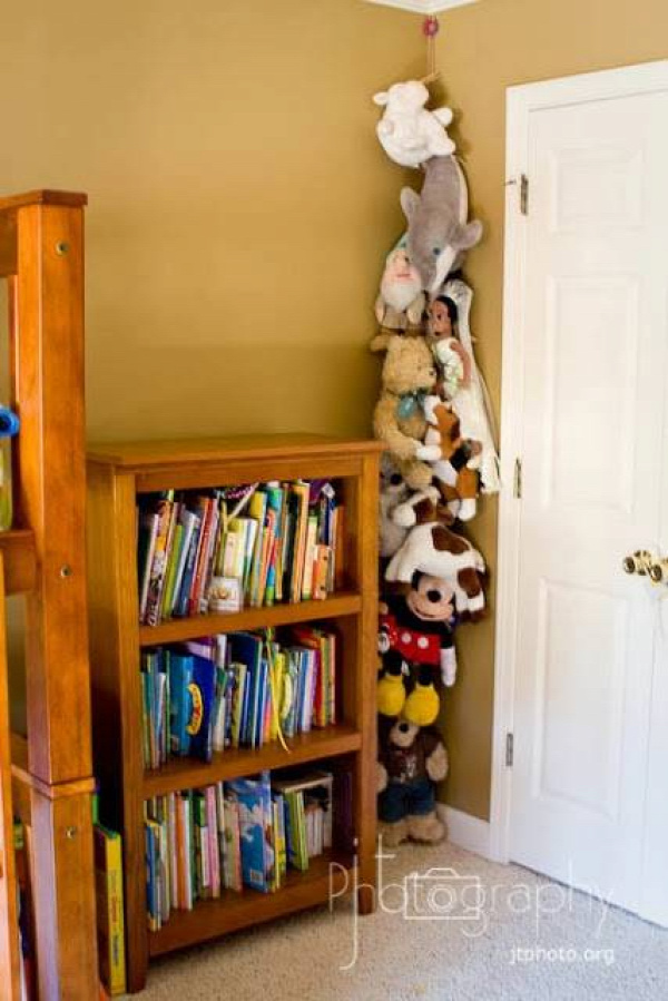 20+ Creative DIY Ways to Organize and Store Stuffed Animal Toys --> Hang a Rope from the Ceiling and Clip the Stuffed Animals to It with Clothespins
