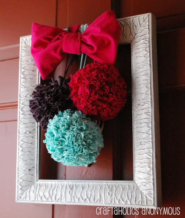 40+ Creative Ideas to Repurpose and Reuse Your Old T-shirts --> T-shirt Pom Poms