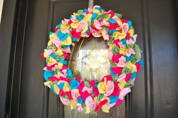 40+ Creative Ideas to Repurpose and Reuse Your Old T-shirts --> Colorful T-Shirt Scrap Wreath