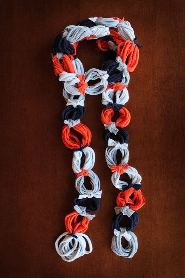 40+ Creative Ideas to Repurpose and Reuse Your Old T-shirts --> DIY Ringlet T-shirt Scarf