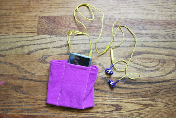 40+ Creative Ideas to Repurpose and Reuse Your Old T-shirts --> DIY Ipod Holder from Old T-shirt